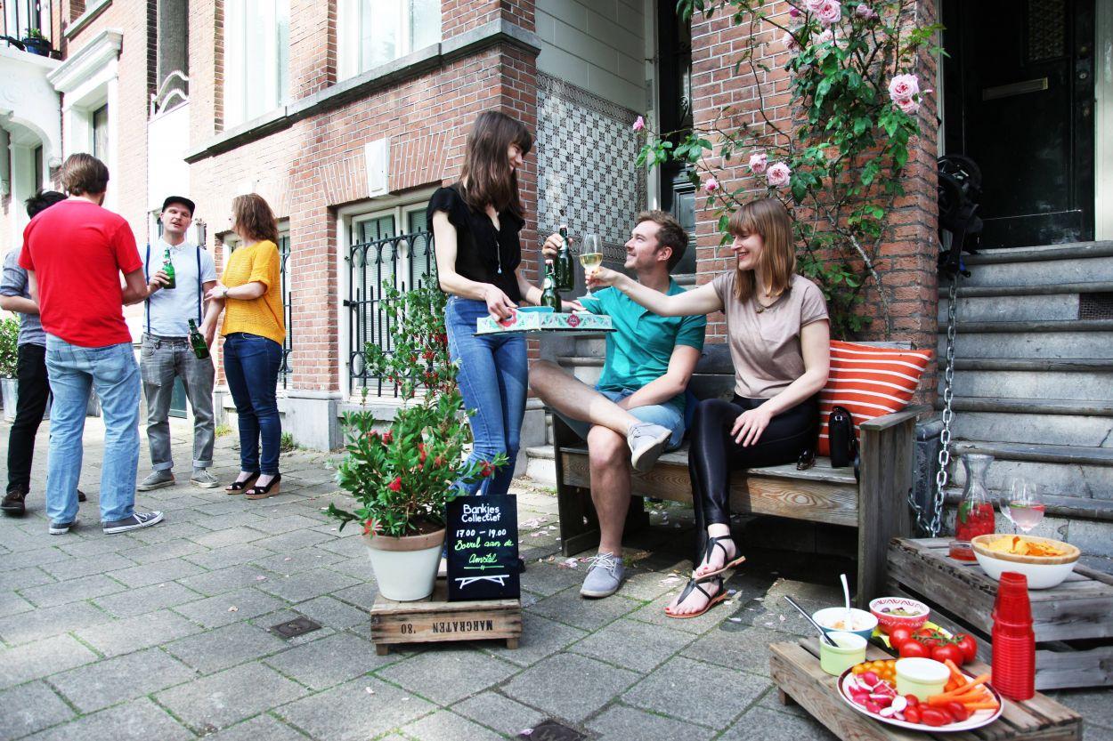 Réseaux sociaux pour voisins sociables