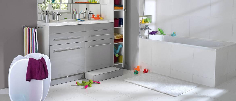 Un tiroir qui fait office de marchepied