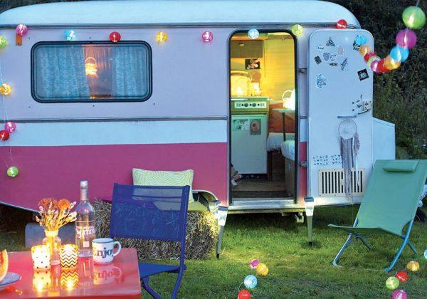 Luminaires extérieurs : éclairer ses soirées d\'été à l\'infini