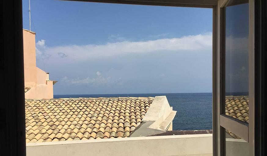 Sous le beau soleil de Syracuse (Sicile), le 9 août.