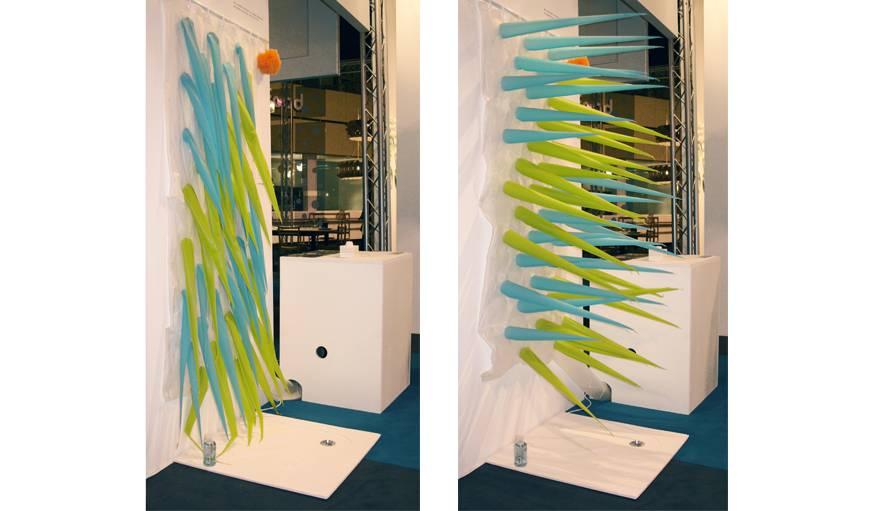 insolite contre le gaspillage d 39 eau un rideau de douche. Black Bedroom Furniture Sets. Home Design Ideas