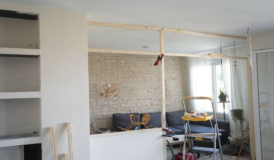Installer les tasseaux qui formeront la structure de la verrière.
