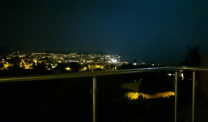 Nice by night, vue surplombant la ville. Le 27 septembre.