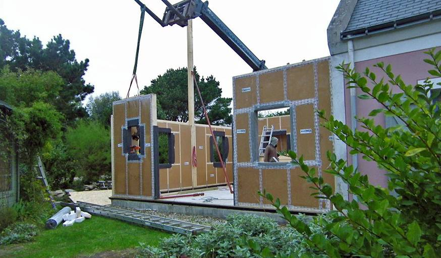 une maison en carton maison passive le carton comme isolant thermique. Black Bedroom Furniture Sets. Home Design Ideas