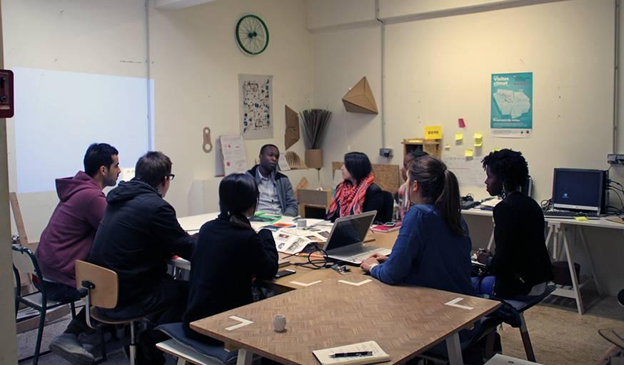 Les élèves en master d'écoconception de Philippe Schiesser planchent sur leurs projets.