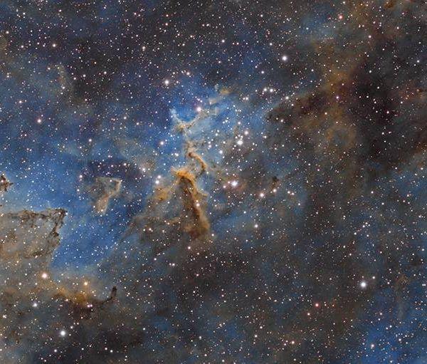 Il construit un observatoire dans son jardin pour photographier les étoiles