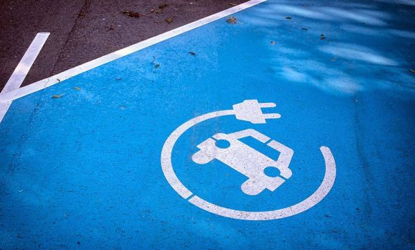 Voiture électrique : rechargez votre voiture électrique dans votre immeuble