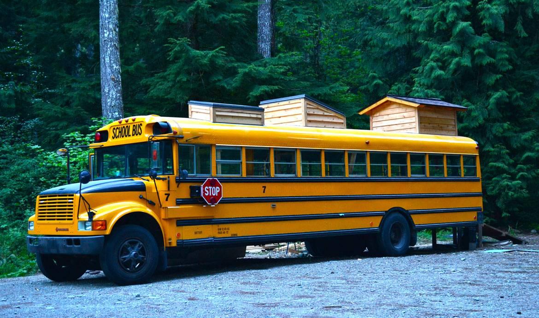 Le bus scolaire transformé en maison