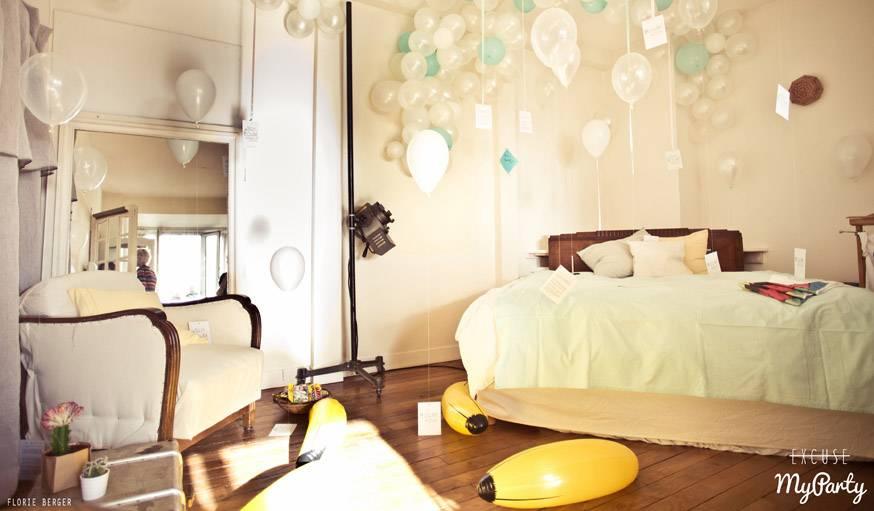 Quelques ballons au-dessus du lit : le photocall idéal.