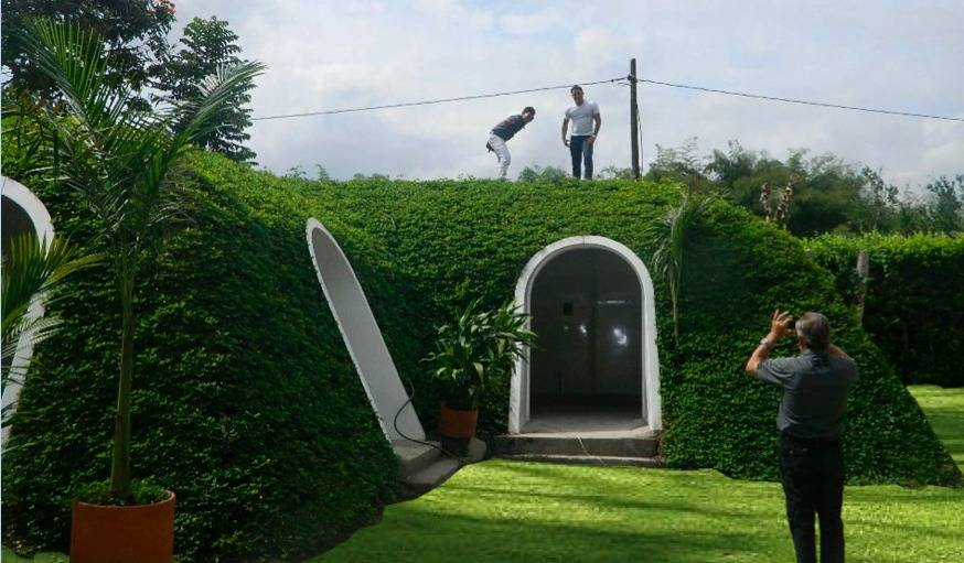 green magic homes vend des maisons de hobbits une maison bulle en kit. Black Bedroom Furniture Sets. Home Design Ideas