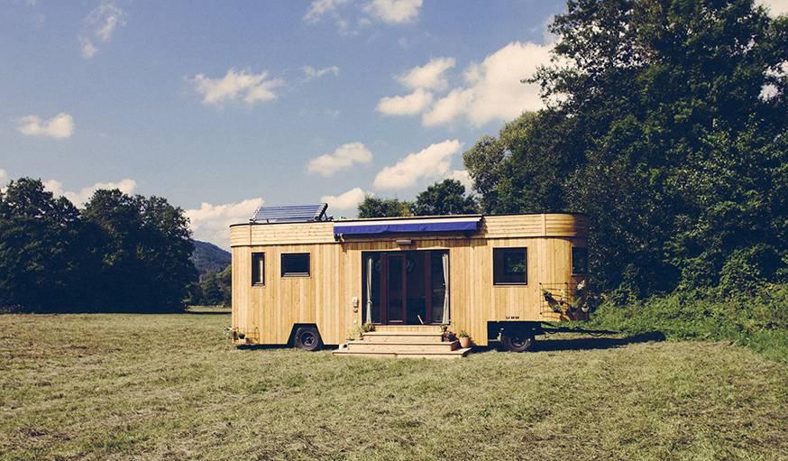 vivre dans une tiny house une tiny house en mat riaux naturels et recycl s. Black Bedroom Furniture Sets. Home Design Ideas