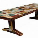 Table réalisée selon la technique du scrapwood.