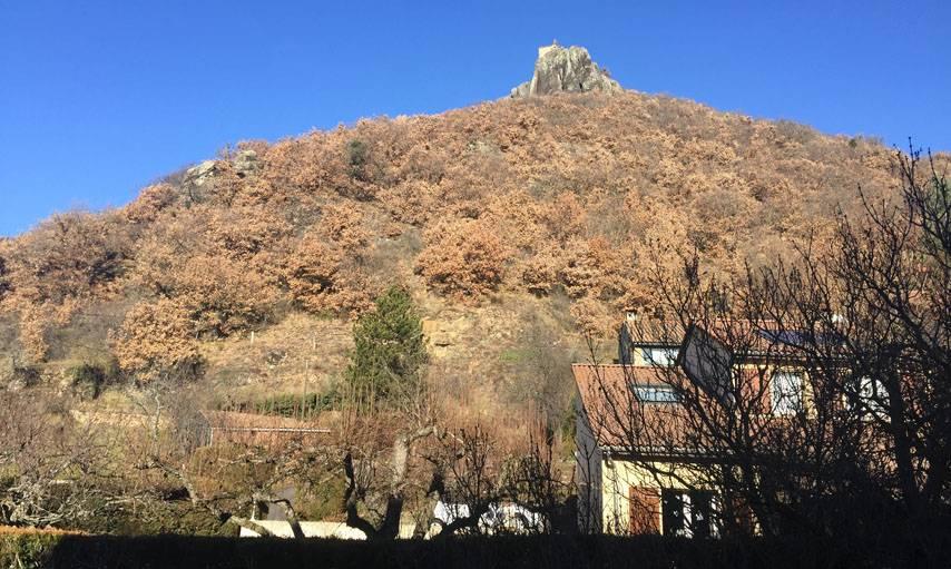 Vue depuis la fenêtre du grand-père, à Massiac, dans le nord du Cantal.