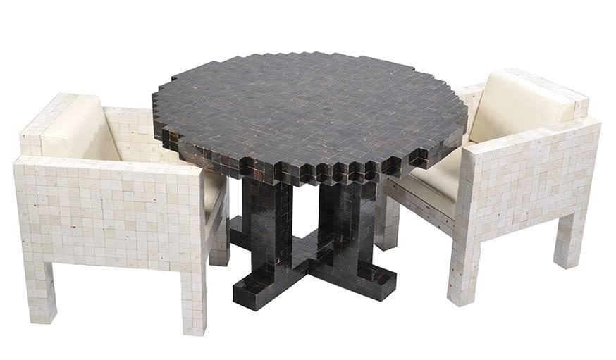 Fauteuils et table issus de la collection waste waste 40x40.