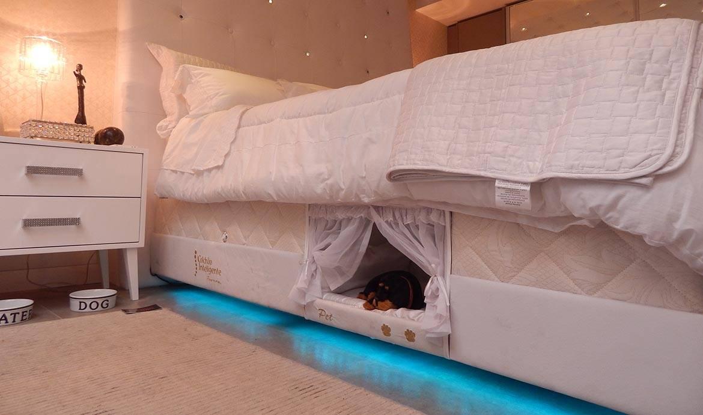 mon chien dort dans mon lit un panier insolite int gr au matelas. Black Bedroom Furniture Sets. Home Design Ideas