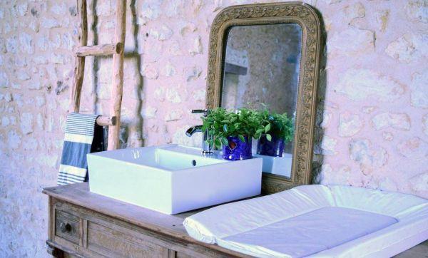 Commode-vasque pour salle de bains familiale