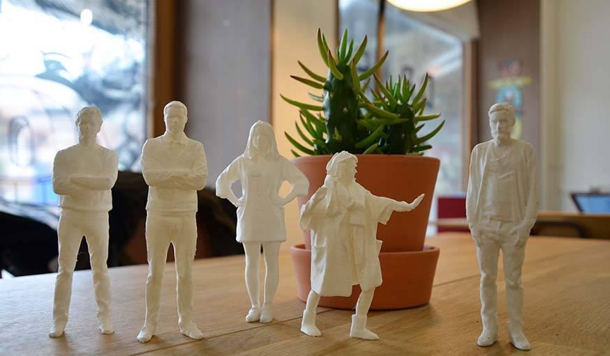 L'équipe de Draft miniaturisée grâce à un scanner et une imprimante 3D.