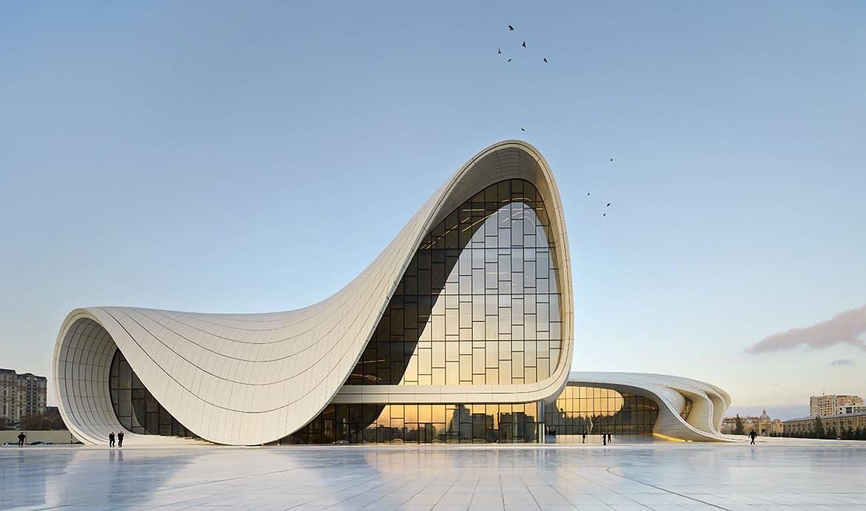 (Re)Découvrez 8 projets de l'extravagante architecte Zaha Hadid