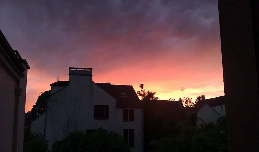 Soleil ardent le 12 mars à Triel-sur-Seine (Yvelines).