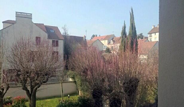 Vue sur un quartier de Triel-sur-Seine (Yvelines), le 11 mars.