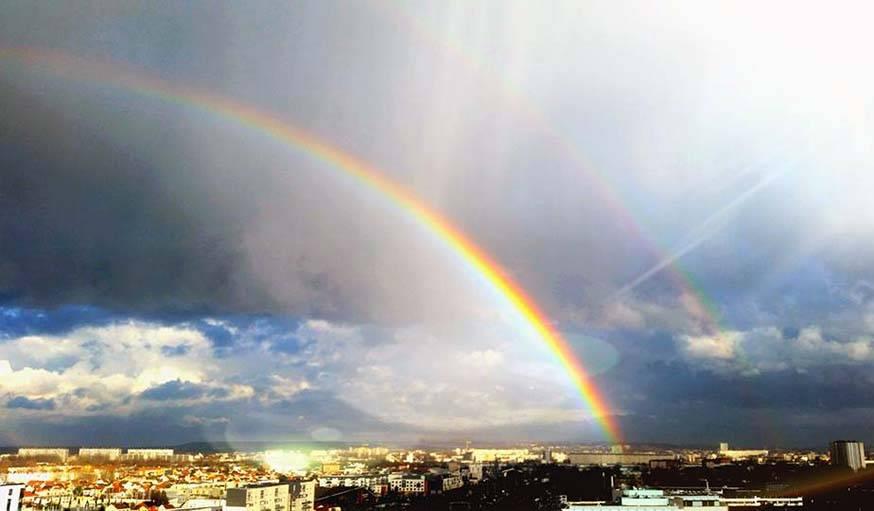 Double arc-en-ciel le 20 mars à Bobigny.