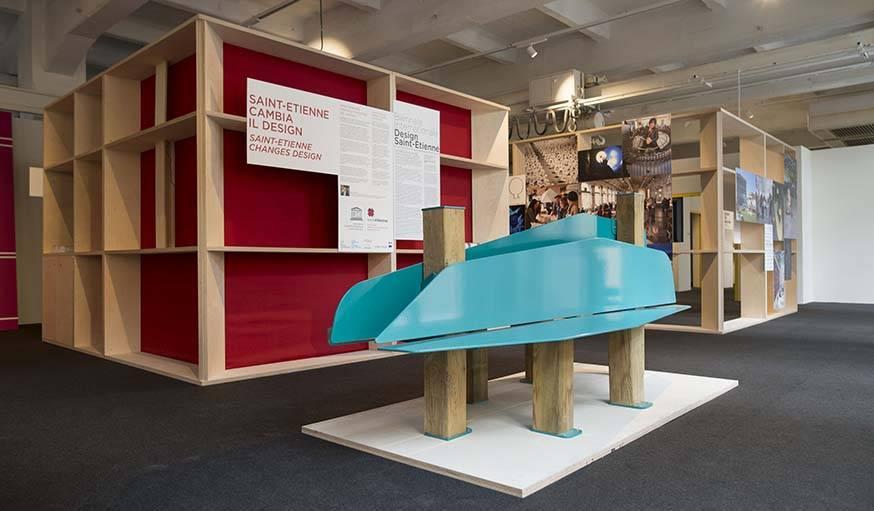 Banc îlot, fruit de la collaboration entre les étudiants de l'ESADSE et la marque de mobilier urbain TF urban.