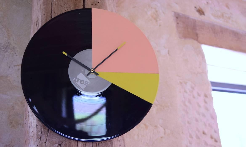 DIY : Créez une horloge murale avec un ancien vinyle