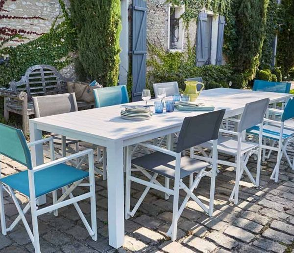 Tables modulables pour grandes tablées estivales