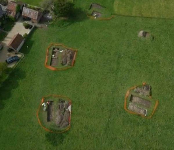 Il découvre une maison romaine sous son jardin