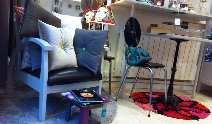 Pirouette vend aussi des meubles : des tables basses ou de chevets, des chaises...