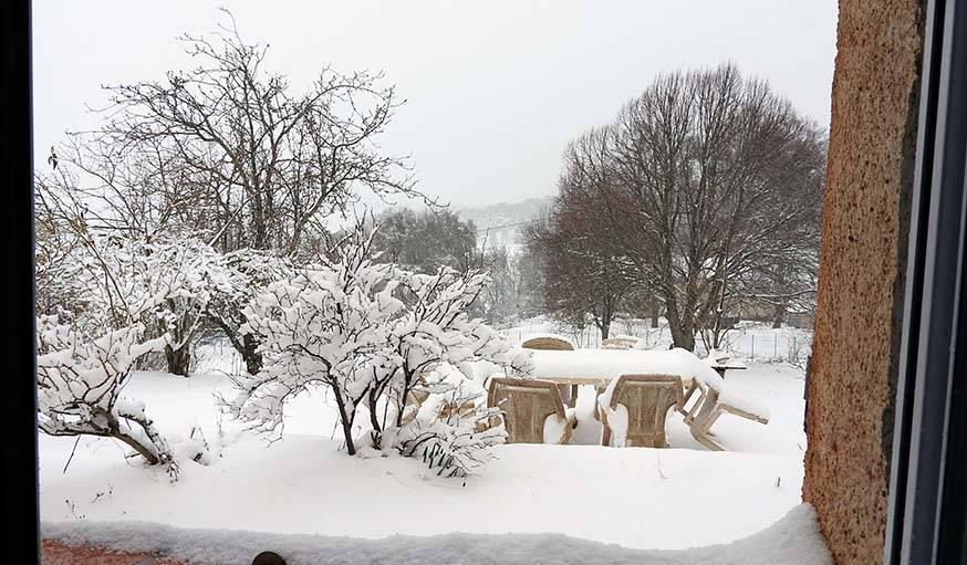 Tapis de neige à Caussols (Alpes Maritimes).