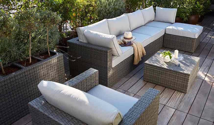salon de jardin blooma simple un salon de jardin rtro with salon de jardin blooma great. Black Bedroom Furniture Sets. Home Design Ideas