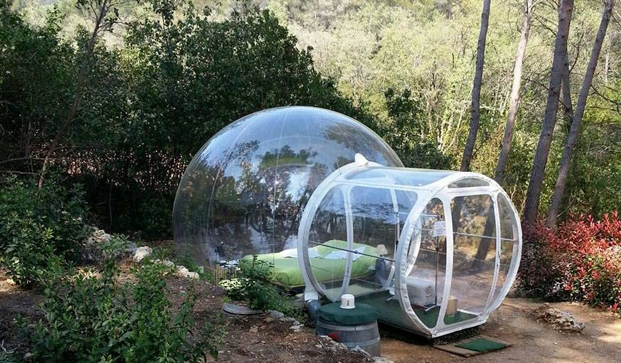 dormir dans une bulle h tel atypique dormir sous les toiles. Black Bedroom Furniture Sets. Home Design Ideas