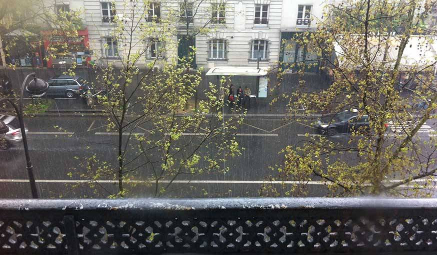 Les giboulées d'avril à Paris.