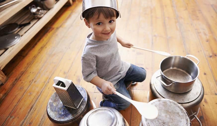 Il y a mieux que de simples casseroles sur le sol de la cuisine !