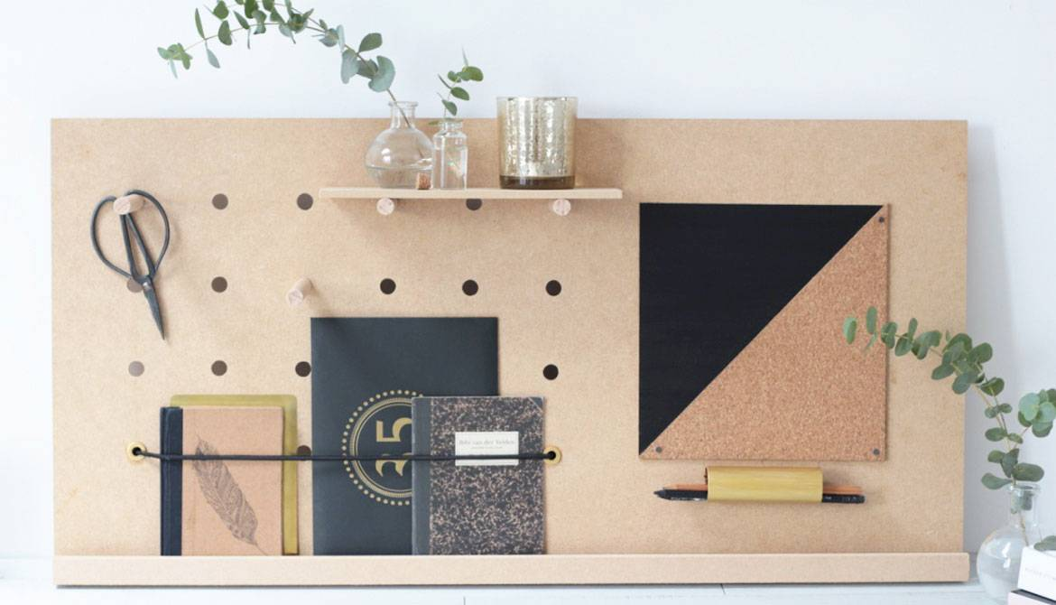 do it yourself fabriquer un pegboard le rangement de bureau id al. Black Bedroom Furniture Sets. Home Design Ideas