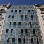 Le première façade entièrement composée de panneaux solaires à Paris
