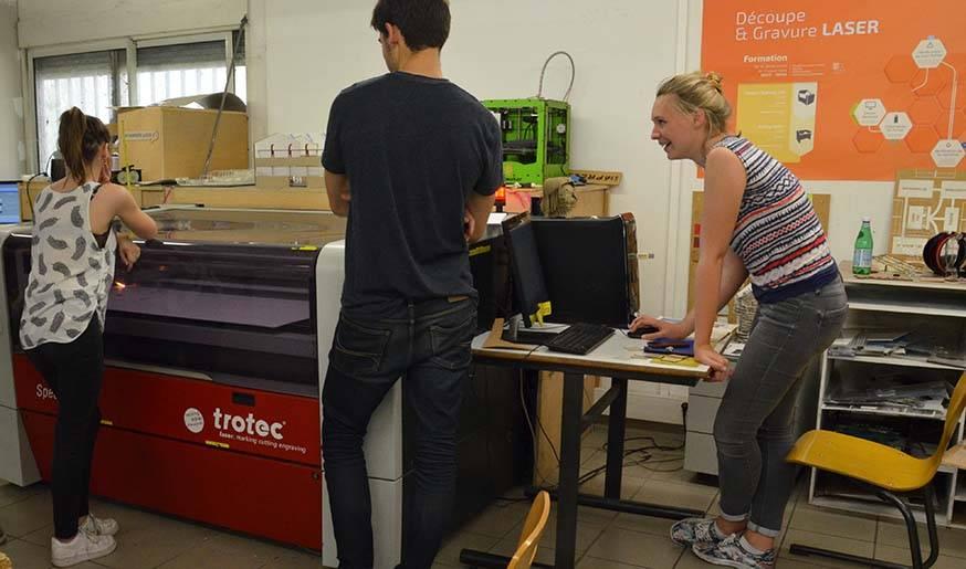 La découpeuse laser est très utilisée par les étudiants en architecture pour réaliser leurs maquettes.