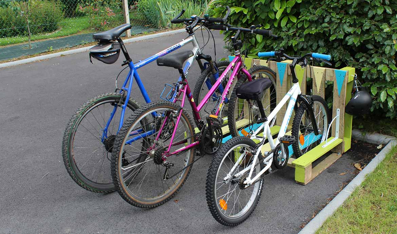 Construire Un Abri A Velo tuto - upcycling - support vélo en palette à fabriquer soi