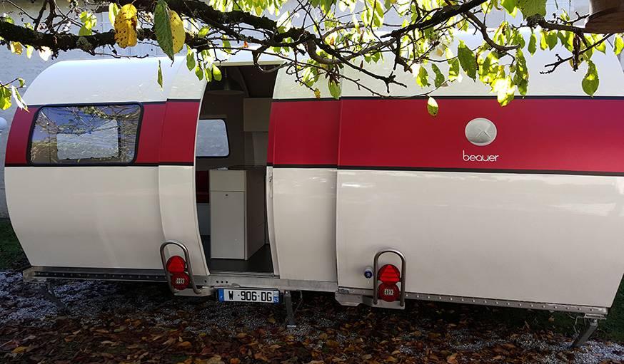 La caravane 3X une fois dépliée.