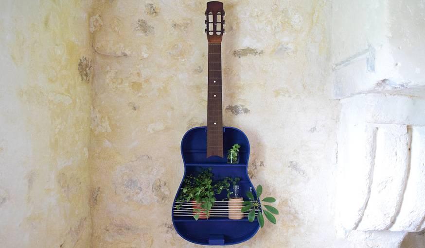 que faire avec une vieille guitare transformer une guitare en d coration