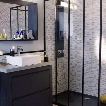 Une touche industrielle dans la salle de bains