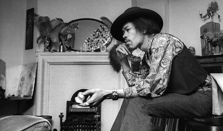 Envie de dormir dans la chambre de Jimi Hendrix, voici nos conseils déco rock !