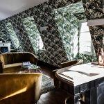 La suite de l'hôtel Providence, décorée sur le thème de la jungle.