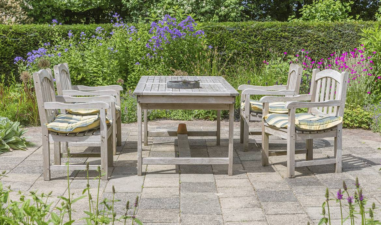 Donner un nouveau souffle à ses meubles de jardin