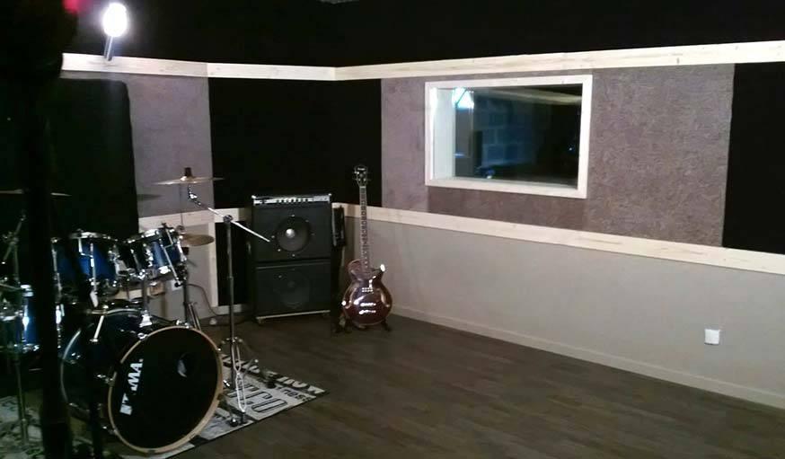 am nager un studio de musique chez soi cr er une salle de musique dans sa maison. Black Bedroom Furniture Sets. Home Design Ideas