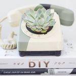 Transformez un téléphone vintage en objet de déco original.