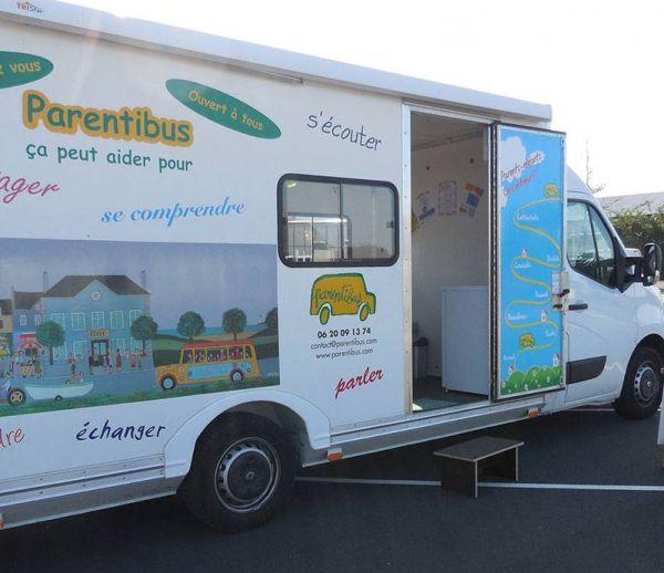 Parentibus : un bus à la rencontre des familles isolées