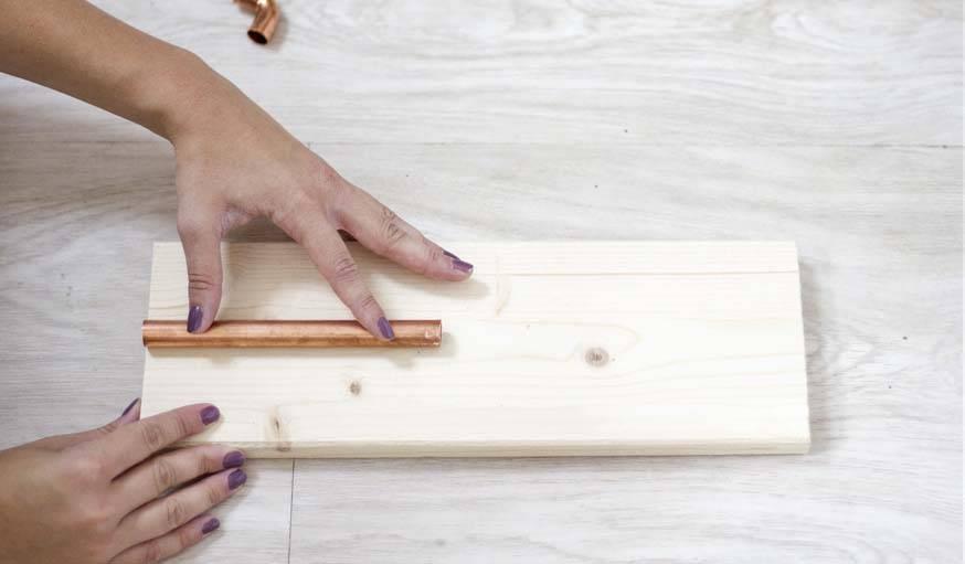 diy fabriquer une lampe avec des tuyaux de cuivre tuto tendance cuivre. Black Bedroom Furniture Sets. Home Design Ideas