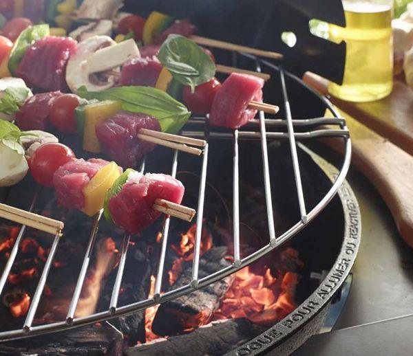 Une méthode extrêmement efficace pour allumer son barbecue au charbon
